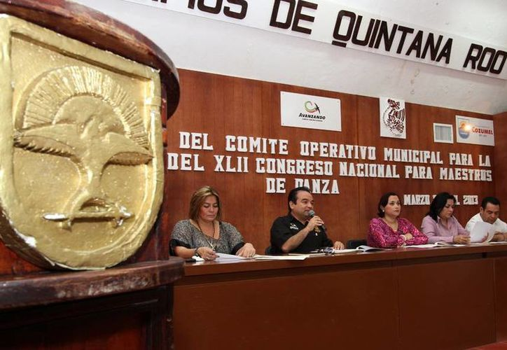 """La reunión de trabajo se efectuó en el salón """"Municipios de Quintana Roo"""" de la Comuna. (Cortesía/SIPSE)"""