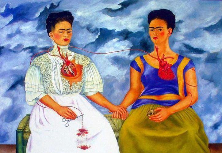 Además de su pintura, las prendas de Frida Kahlo han llamado la atención, y son inspiración para diseñadores internacionales hasta la actualidad. En la imagen, la obra  Las Dos Fridas de la pintora mexicana. (Agencias)
