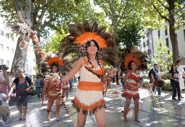 Pocos españoles participaron en el festival latinoamericano celebrado en Granada porque quieren dejar el pasado atrás. (EFE)