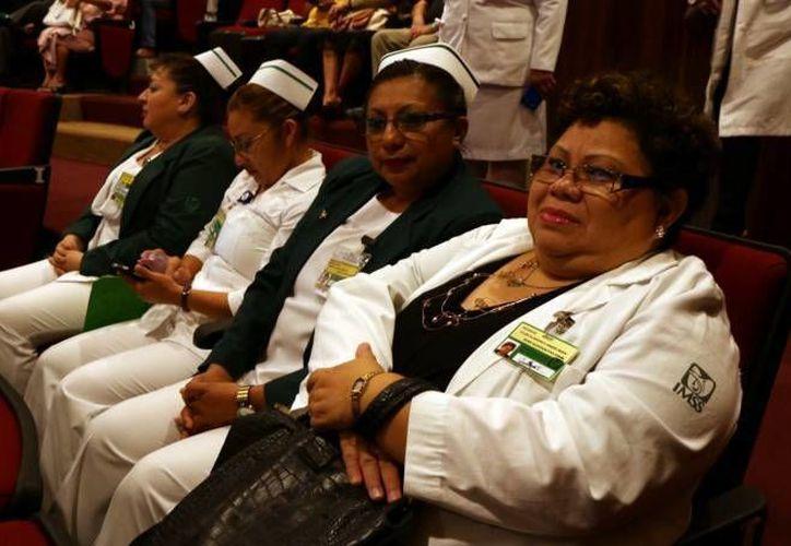 El incremento en los dos últimos años de licenciados o licenciadas en enfermería que laboran en el IMSS es del 12%. (José Acosta/Milenio Novedades)