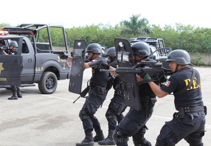La capacitación y modernización de la Policía Estatal son aspectos prioritarios para el Gobierno del Estado para responder a los compromisos con la sociedad en materia de seguridad pública. (Milenio Novedades)