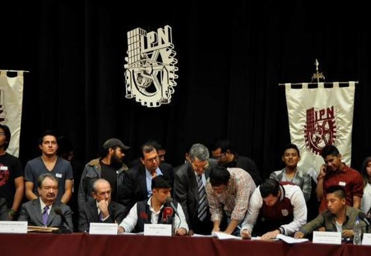 Aspecto de la mesa de negociación de la Asamblea General Politécnica. (facebook.com/ipn.mx)