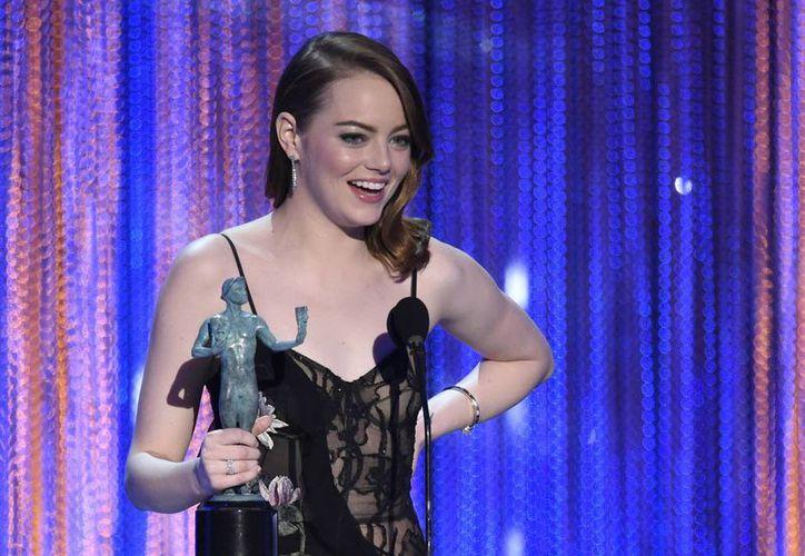 """Emma Stone ganó el premio SAG como mejor actriz por """"La La Land"""" y consolidó su posición como favorita para ganar el Oscar. (Chris Pizzello/Invision/AP)"""