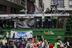 Patriotas celebra título de NFL con desfile en Boston