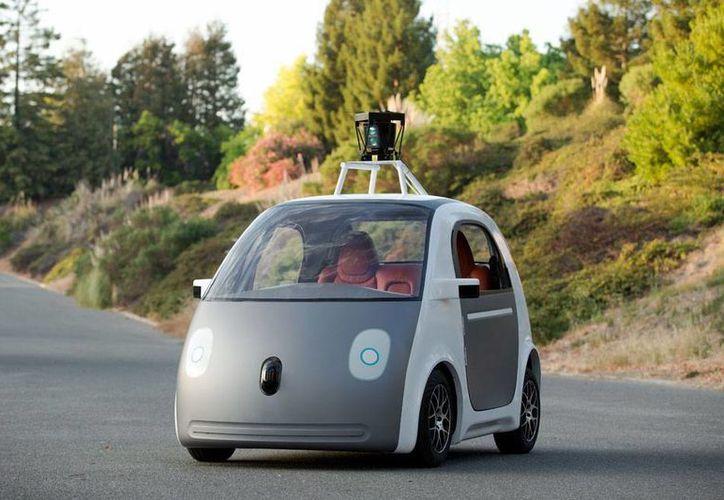 El mayor obstáculo para fabricar en serie los vehículos sin conductor es que las leyes de California estipulan que los modelos de prueba deben contar con volante y pedales. (AP)