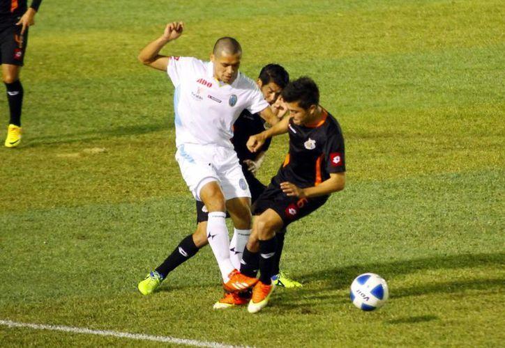 El entrenador del CF Mérida criticó el accionar de su equipo ante Alebrijes, pero destacó la labor de los delanteros y hermanos Freddy y Henry Martin Mex. (Milenio Novedades)