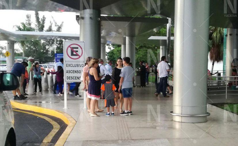 Los vuelos nacionales que se suspendieron en su mayoría fueron las salidas hacia la Ciudad de México y Villahermosa, Tabasco. (Novedades Yucatán)