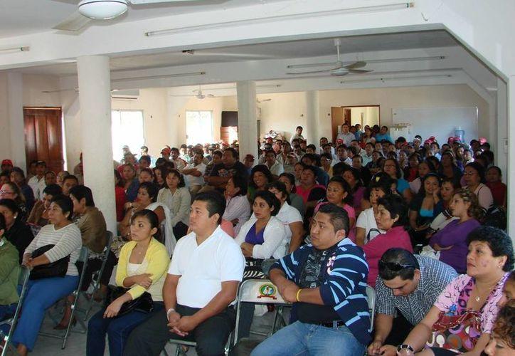 Un total de 29 agrupaciones gremiales pertenecientes fueron notificadas de la suspensión de labores. (Manuel Salazar/SIPSE)