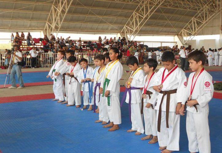 Los alumnos de Cozumel lograron dos medallas de oro. (Redacción/SIPSE)