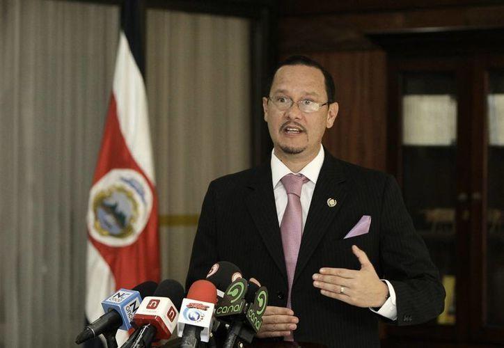 En la imagen, el ministro de Seguridad Pública de Costa Rica, Celso Gamboa, quien informó del decomiso. (EFE/Archivo)