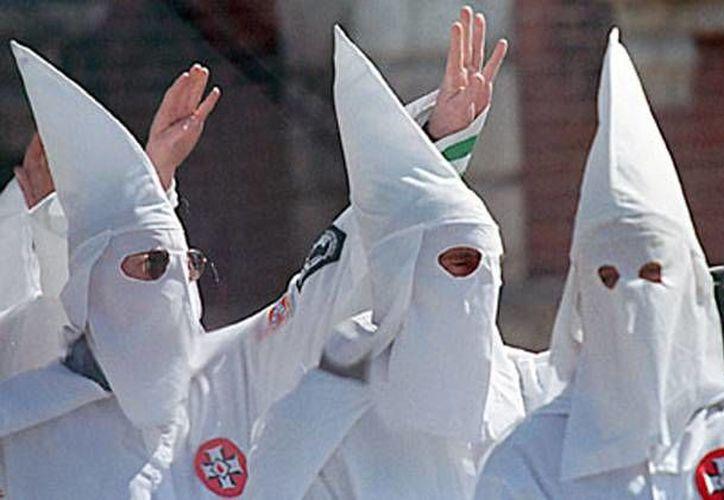 El KKK es el nombre adoptado por varias organizaciones de extrema derecha en Estados Unidos, creadas en el siglo XIX tras la Guerra de Secesión. (theguardian.com)