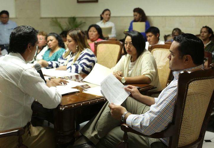 Aspecto de la sesión del Comité de Participación Ciudadana para las Obras del Fondo de Infraestructura Social Municipal. (SIPSE)