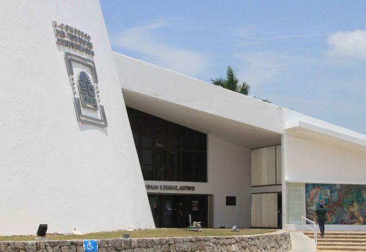 Multas de hasta 113 mil pesos son propuestas como castigo a quien incurra en actos de corrupción en Quintana Roo. (Joel Zamora/SIPSE)