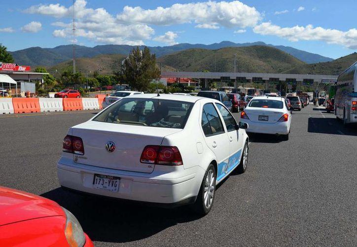 Recomiendan utilizar gasolina de mayor o menor octanaje según la zona que se vaya a visitar, por ejemplo: en montaña se precisa gasolina de mayor octanaje. (Notimex)