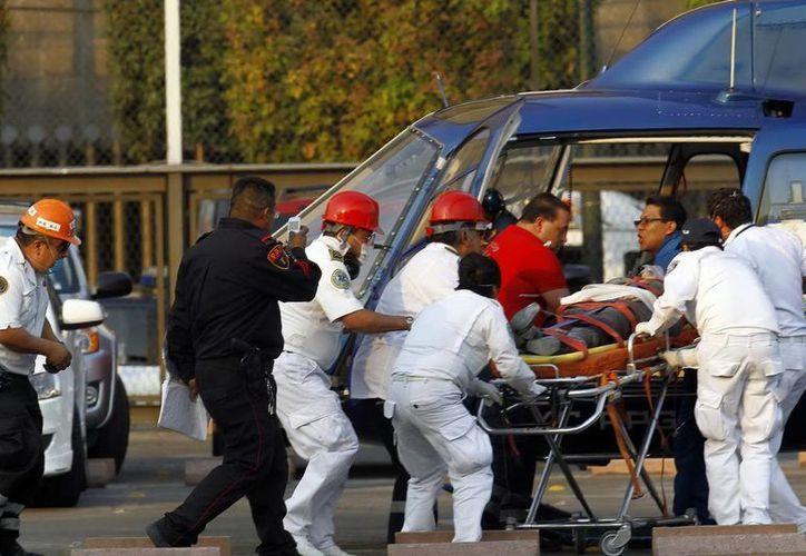 Este viernes falleció en el Hospital Ángeles Interlomas otro de los heridos en la explosión del complejo de Pemex. (Archivo Notimex)