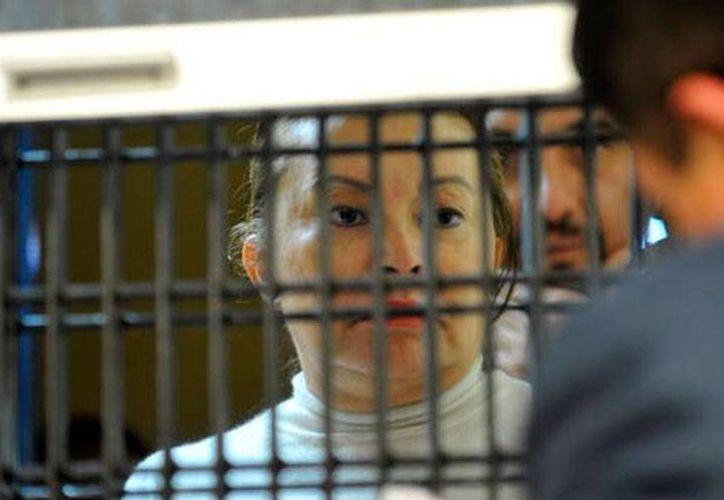 Elba Esther Gordillo, exlideresa del SNTE, cumple hoy 70 años. Su abogado solicitó la prisión preventiva domiciliaria, es decir, que la lleven a su casa. (AP)
