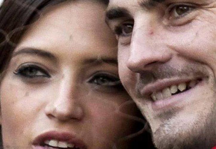 La boda tuvo como único invitado a Martín, el hijo de dos años de Iker y Sara. (EFE)