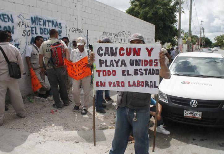 La manifestación en la Jurisdicción Sanitaria número 2. (Licety Díaz/SIPSE)