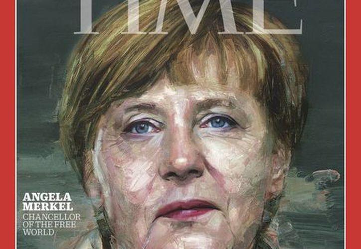 Porta de la revista Time, con la imagen de la canciller alemana Angela Merkel, quien fue elegida como la persona del año. (Agencias)