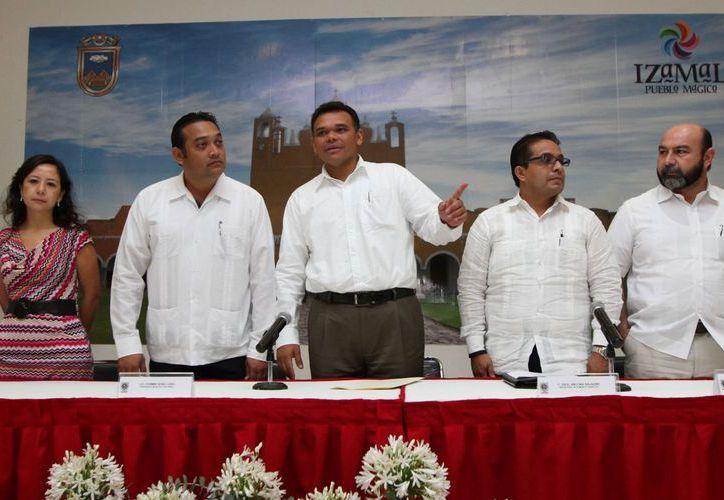 Ayer el gobernador Zapata Bello instaló los Comités Pueblo Mágico de Valladolid e Izamal. (Cortesía)