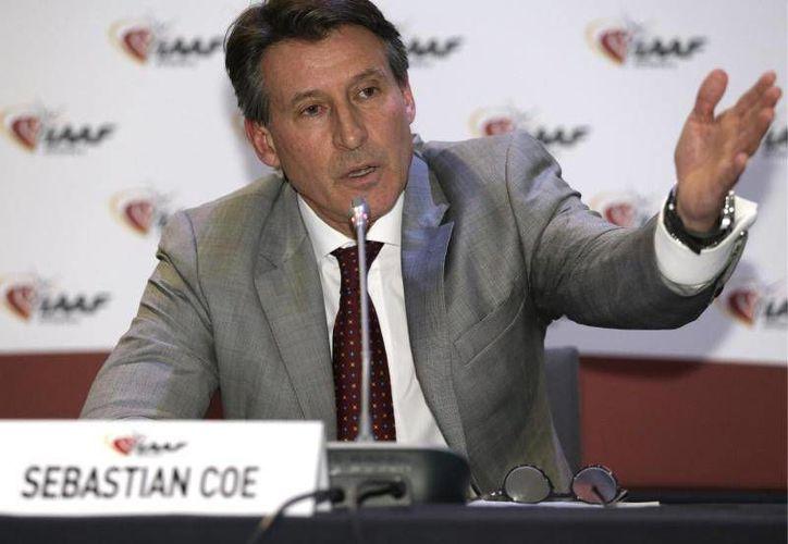 Sebastian Coe, presidente de la IAAF, aseguró que se recibieron reportes de sobornos en el proceso de candidaturas para el campeonato mundial de atletismo en 2017, que se realizó en 2011. (Archivo AP)