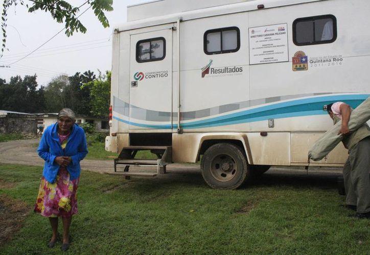 4 unidades de vigilancia epidemiológica realizan recorridos por las unidades médicas rurales. (Harold Alcocer/SIPSE)