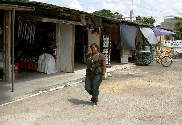 Actualmente Puerto Aventuras cuenta con un mercado improvisado, que es acosado por la delincuencia. (Octavio Martínez/SIPSE)