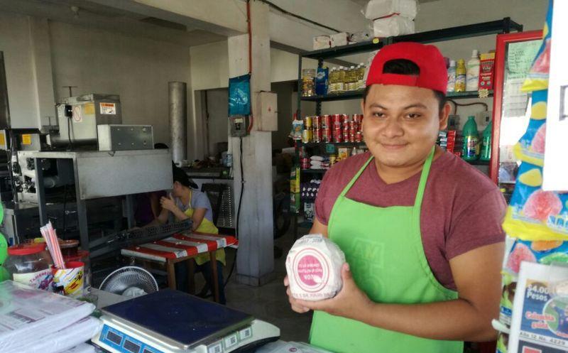 La campaña consiste en la distribución de 100 mil envoltorios de tortillas, con lo que el Ieqroo busca llegar a las casas de miles de ciudadanos. (Joel Zamora/SIPSE)