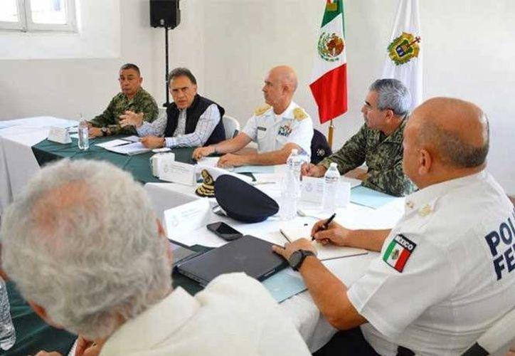 Apenas tomar el cargo, el mandatario estatal se comprometió a mejorar la seguridad en Veracruz. (Excélsior)