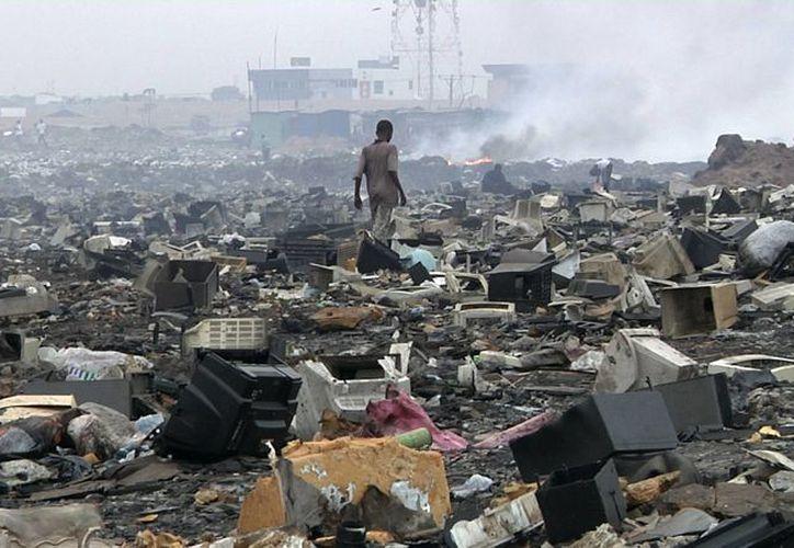 En 2014 se desecharon 41.8 millones de toneladas de productos eléctricos y electrónicos. (otromundoesposible.net)