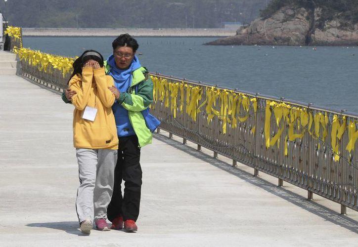 Hasta el momento se ha confirmado una cifra de 163 personas muertas por el naufragio. (AP)