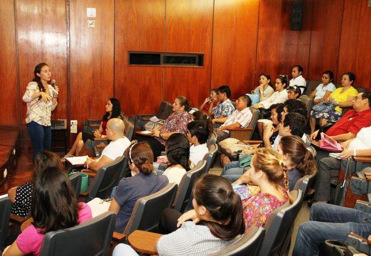 El primer día del taller 'Diagnóstico de necesidades en albergues de adultos mayores'. (SIPSE)