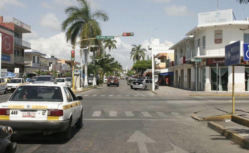 La avenida Juárez era uno de los tramos de la capital del estado que urgían de rehabilitación. (Harold Alcocer/SIPSE)