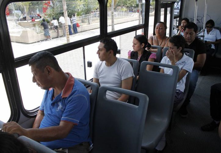 Estudiarán qué tipo de unidades se necesita para prestar el transporte urbano en Cancún. (Jesús Tijerina/SIPSE)