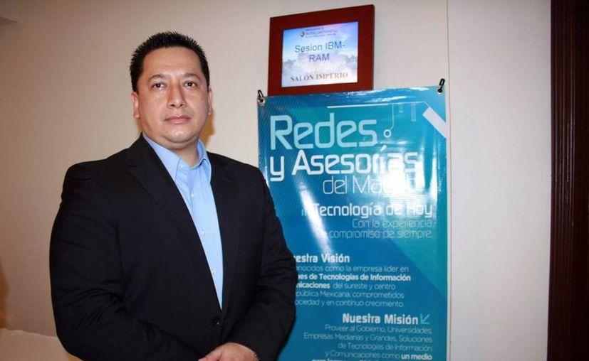 Ricardo Urbano  Monroy, asesor en tecnología de la IBM. (Theani Ruz/SIPSE)