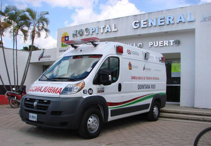 La nueva unidad fue estacionada frente al Hospital General a la espera de que entre en servicio. (Manuel Salazar/SIPSE)