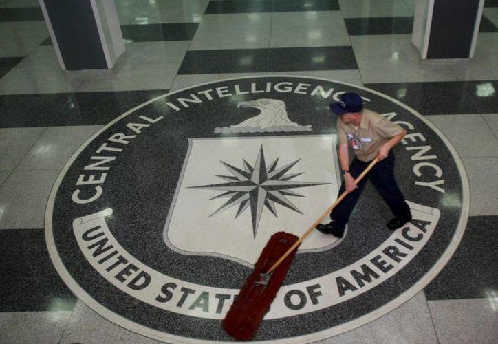 Una víctima del programa de torturas de la CIA, y los familiares de otra ya fallecida, denunciaron a dos psicólogos por dicho esquema de interrogatorios. (EFE/Archivo)