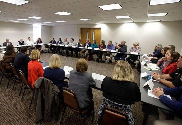Autoridades del Estados de Indiana se reunieron para analizar la eventual declaratoria de emergencia sanitaria, ante el número elevado de casos de VIH en Scottsburg. (AP)