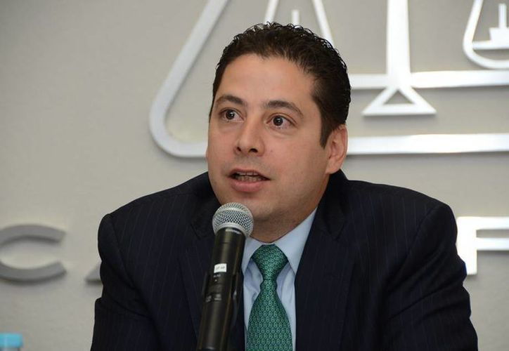 Ricardo Treviño Chapa, administrador general de la Dirección de Aduanas del SAT, dijo que en breve se implementará en las aduanas de Yucatán el servicio de una nueva unidad móvil de Rayos X, lo cual agilizará el movimiento de las mercancías. (dsiglo21.com)