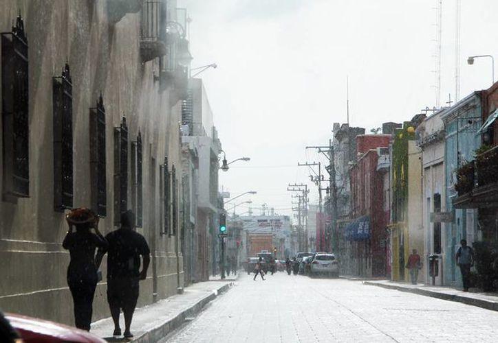 En Yucatán y Campeche se estima una temperatura máxima de 34 a 38 grados y mínimas de 20 a 24 y de 21 a 25. (José Acosta/SIPSE)