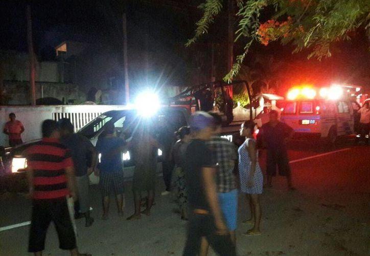 En la colonia El Pedregal vecinos golpearon a un supuesto delincuente que ronda la zona. (Adrián Barreto/SIPSE)