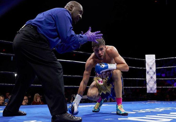 El boxeador de peso walter Prichard Colón fue descalificado en el noveno round en la pelea de este sábado contra Terrell Williams. Ya en el vestidor Prichard presentaría síntomas del derrame cerebral que sufrió. (Premier Boxing Champions)