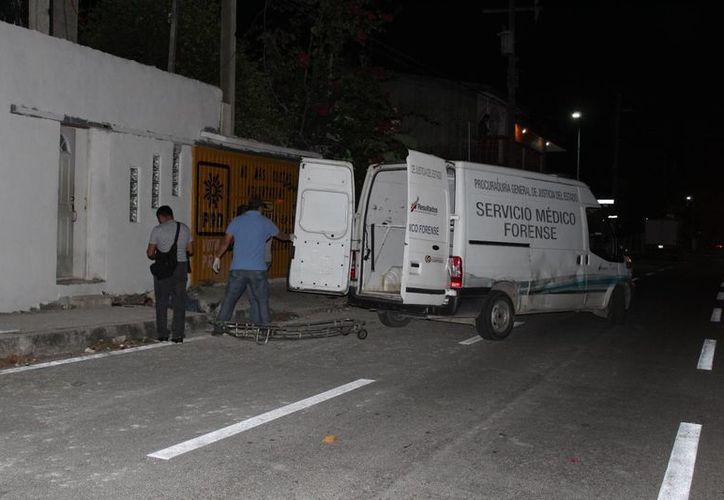 Un sujeto perdió la vida al caer de un segundo piso la madrugada de ayer, en la colonia Colosio de Playa del Carmen. (Redacción/SIPSE)