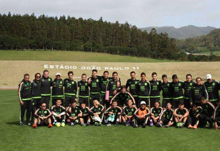 El Tri sub 23 concluye su breve gira por Portugal cuando enfrente a la selección local este lunes. En imagen, el conjunto tricolor en el complejo deportivo Juan Pablo II donde se disputará el juego. (Selección Mexicana)