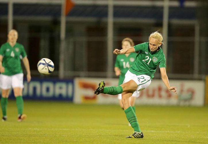 El 12 de enero se sabrá si la irlandesa Stephanie Roche logra ganar el Premio Puskas al mejor gol profesional del año, según la FIFA. (irishpost.co.uk/Foto de  archivo)