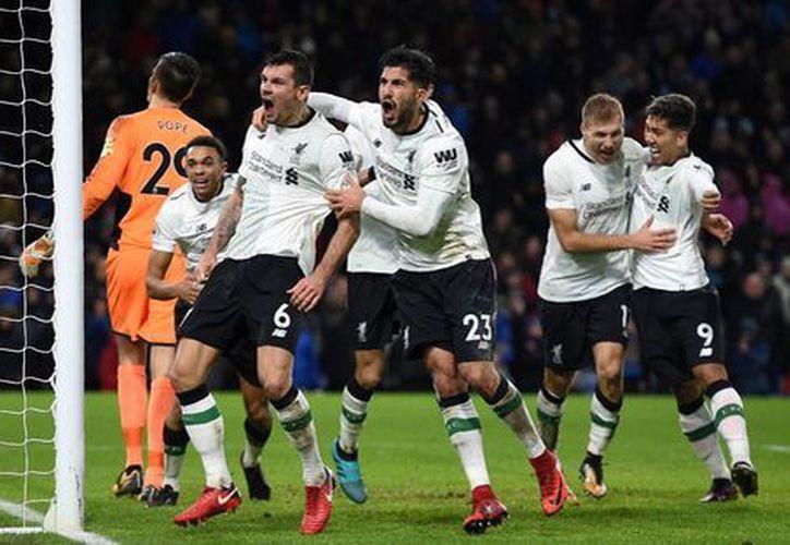 El equipo ganó este lunes por 1-2 en el campo del Burnley, en la vigésima segunda jornada de la Premier inglesa. (Contexto)
