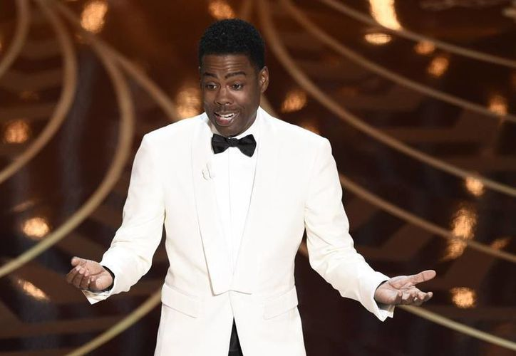 Chris Rock inicio la ceremonia de los Premios Oscar con un discurso que tocó el espinoso tema del boicot a la ceremonia por la supuesta discriminación hacia los afroamericanos. (AP)