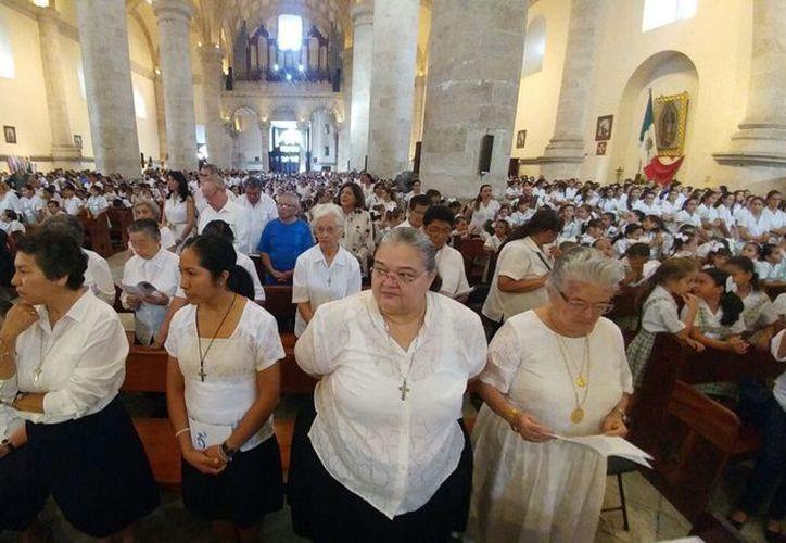 Emotiva celebración en la S.I. Catedral; deja la congregación una huella imborrable en la infancia y juventud yucatecas. (Milenio Novedades)