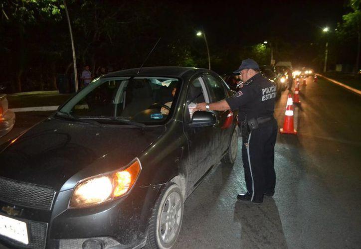 El operativo arrojó un total de 12 unidades automotoras trasladadas al corralón. (Ángel Castilla/SIPSE)