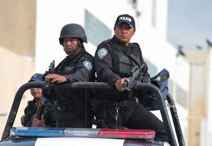 Las corporaciones policiales ya están listas para ejecutar el operativo Guadalupe-Reyes en Cozumel. (Gustavo Villegas/SIPSE)